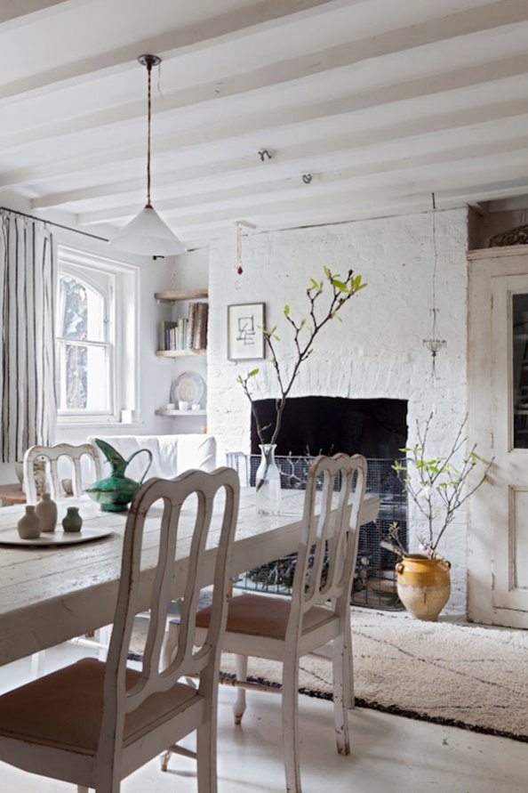 Salle a manger moderne blanc : Scandinavian interior The Hometrotter